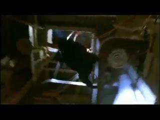 """Фильм """"В осаде"""" (Стивен Сигал / Томми Ли Джонс, 1992)"""